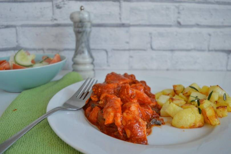 Italian chicken - chicken and bacon in a tomato sauce