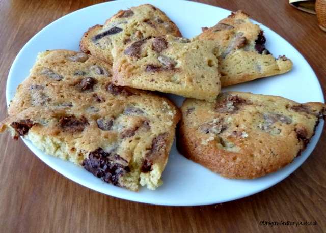 pecan and chocolate honeycomb biscuits