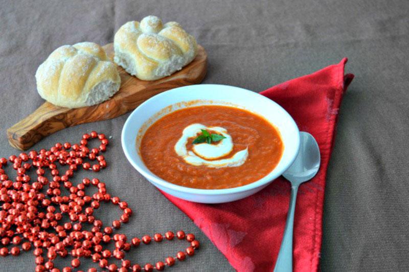 tomato and raspberry soup