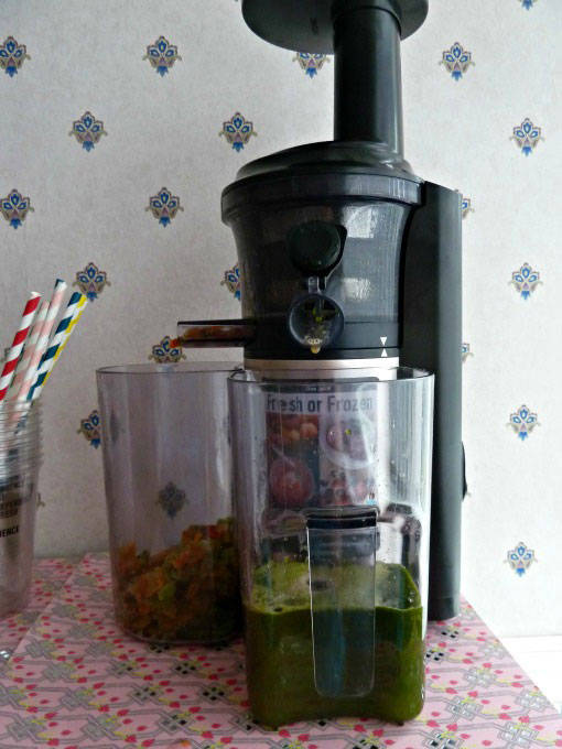 Panasonic slow juicer in action
