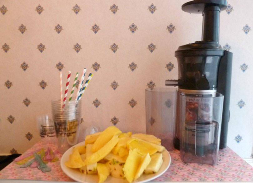 Making tropical zing juice with panasonic slow juicer