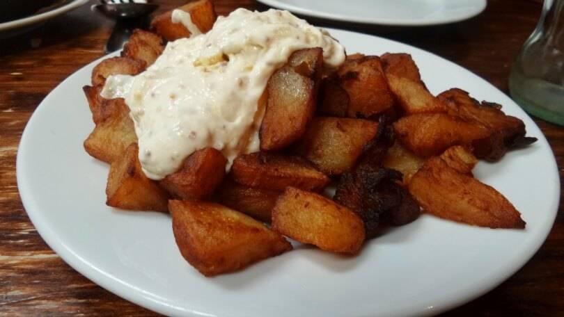 Patatas con salsa de mostaza at el coto