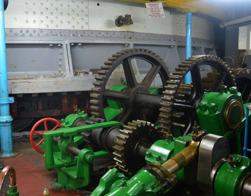 Inside the engine room of the swing bridge