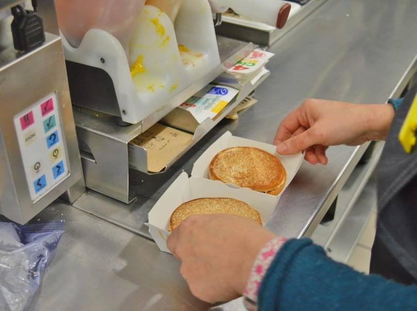 Making a big mac at Macdonalds