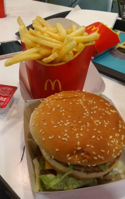 Making a big Mac at McDonalds