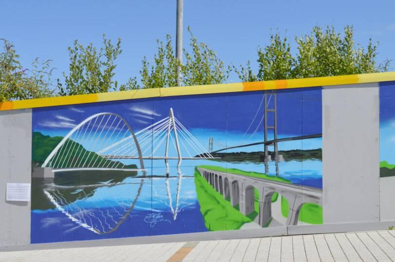 Millenum bridge - fifty northern icons