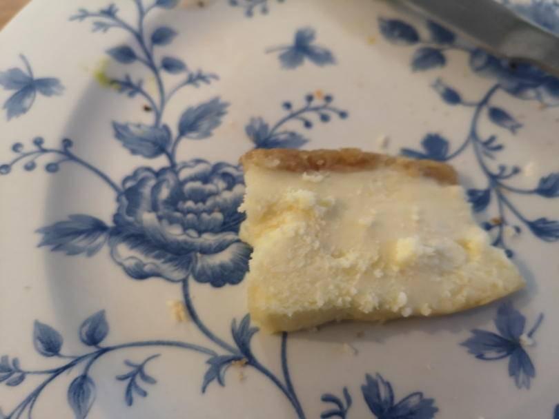 vanilla cheesecake on a plate