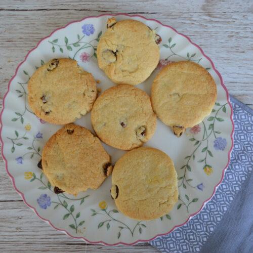 Lemon and sultana biscuits on a plate