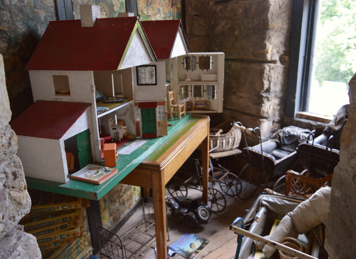 A collection of dolls houses